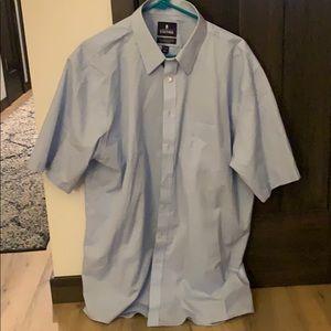 Men's Short Sleeved Dress Shirt